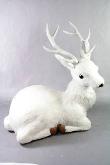 38CMH LYING DEER WITH FUR COLLAR