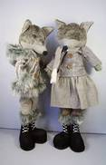 PAIR STANDING NORDIC FOXES