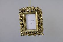 LEAF PATTERNED GOLD RESIN HANGING FRAME