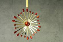 RED/GOLD JEWELLED STARBURST
