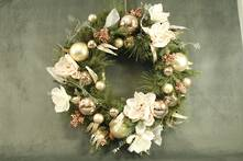 WREATH MIXED PINE WITH MAGNOLIA AND OLIVE LEAVES