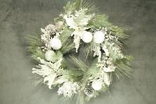 50CMD FROSTED PINE WREATH WHITE DECORATION