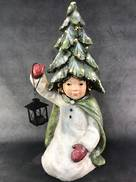 67CMH KNEELING CHILD WITH TREE HAT AND LAMP