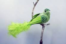 GREEN  VELVET AND FEATHER BIRD ON CLIP (6)