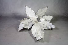 25CMD WHITE VELVET SILVER GLITTER FLOWER