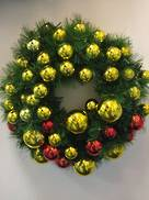 120CMD WREATH WITH 285 RED & GOLD BAUBLES