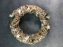 40CMD RATTAN AND STRING WREATH  WITH XMAS MIX