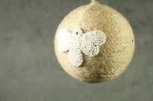 JUTE BALL WITH WHITE BEADED HONEY BEE