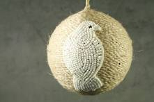 JUTE BALL WITH WHITE BEADED WOOD PIGEON