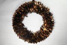 58CMD GOLD FEATHER WREATH