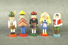SET 5 INTERNATIONAL NUTCRACKERS
