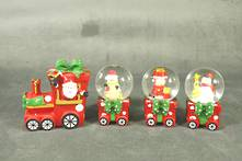 TRAIN AND 3 CARRIAGE SNOWGLOBES