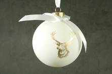 8CMD WHITE PAINTED GLASS BALL WITH GOLD REINDEER