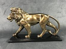 SMALL WALKING GOLD LION