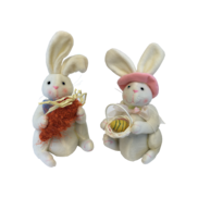 PAIR BOY/GIRL SQUATTING WHITE BUNNIES