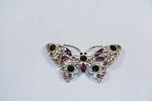 DOZ, PURPLE BUTTERFLY DIAMANTE HANGERS
