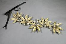 AGED GOLD DIAMANTE AND PEARL LEAF DROP HANGER